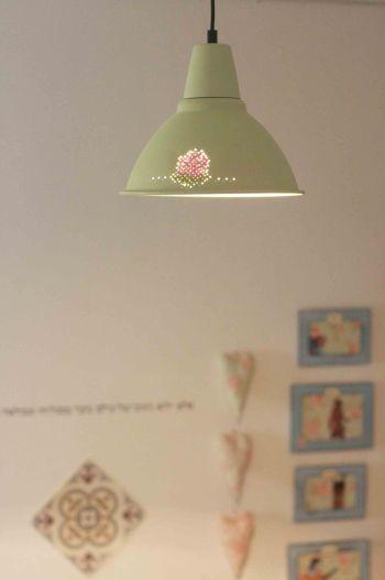 מנורת ורד זורחת